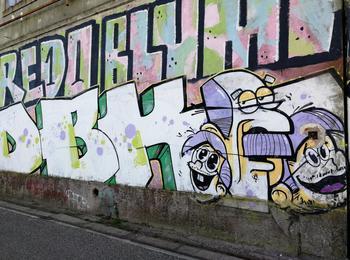 portugal-almada-graffiti