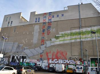 € Wall
