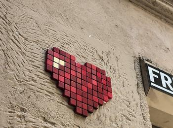 Street art pixel heart france-paris-graffiti