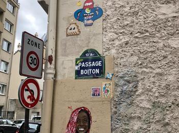A2 gzup invader france-paris-sticking