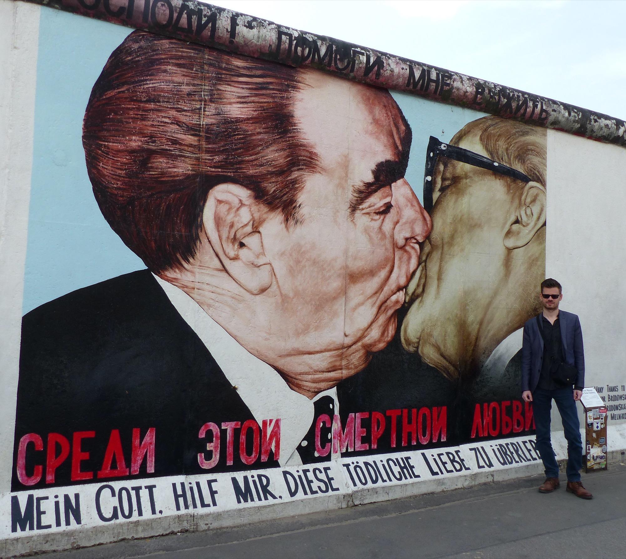 Berlin : Baiser fraternel socialiste